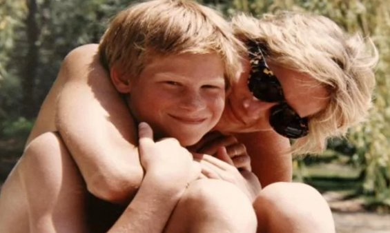 'You could almost feel the warmth of her embraces' #DianaOurMother htt...