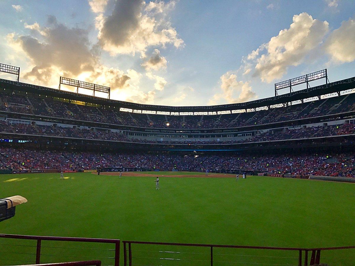 Here w @Notlim99 for @Rangers baseball at the Globe. #LetsGoRangers #NeverEverQuit <br>http://pic.twitter.com/dyIGDcQc9I