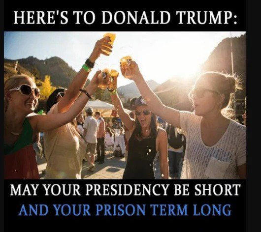 Donnie demanding loyalty and threatening people, Putin must be proud. #MoneyLaundering #TrumpTaxReturns #TrumpCareOxymoron #TrumpGate <br>http://pic.twitter.com/Y2v4w1BFJ8