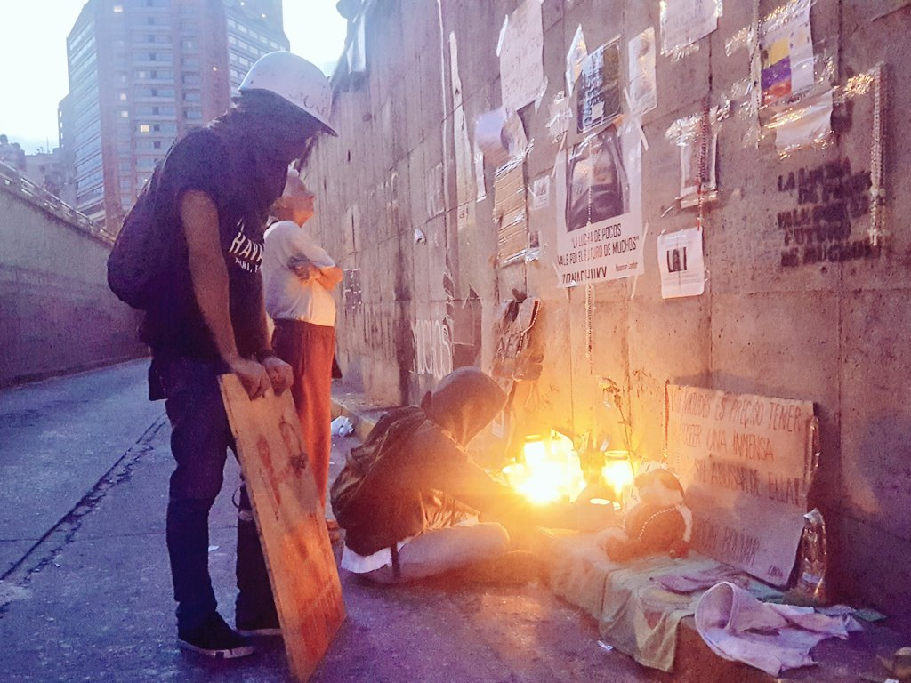 #Caracas never forget that in the middle of it all, 100+ lives have been cut 100+ families destroyed 100+ futures interrupted #ThisIsVzla<br>http://pic.twitter.com/kqMA68njEA