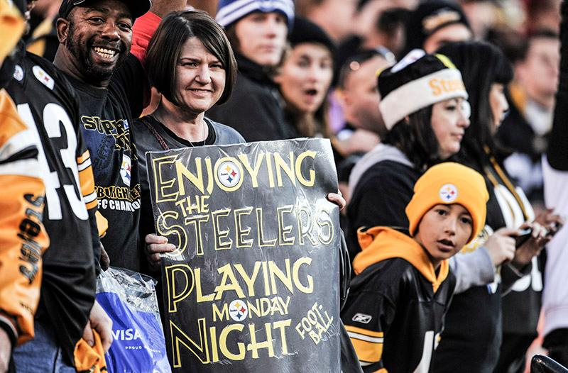 How we prefer our Monday night to look... #SteelersNation #HereWeGo <br>http://pic.twitter.com/yt6Lbe5m4Q