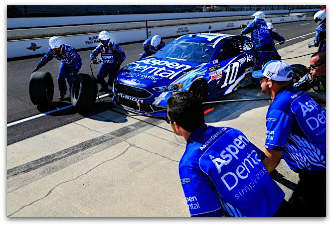 Check out photos of @DanicaPatrick and the @AspenDental Team from @IMS -  http:// bit.ly/2rhG0Lu  &nbsp;   #Brickyard400 #NASCAR <br>http://pic.twitter.com/cWFDbRyJBW