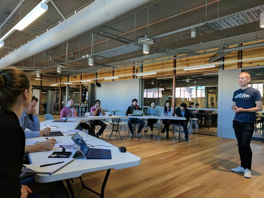#Accelerator #startups had their first formal pitch practice session today with feedback from @originenergy Andy Pickford &amp; @brettgeoghegan<br>http://pic.twitter.com/oqmwsToREL