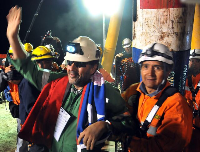 Affaires sensibles | Prisonniers de l'Atacama : le sauvetage des mineurs chiliens https://t.co/Smdbn79nmM cc @FabriceDrouelle