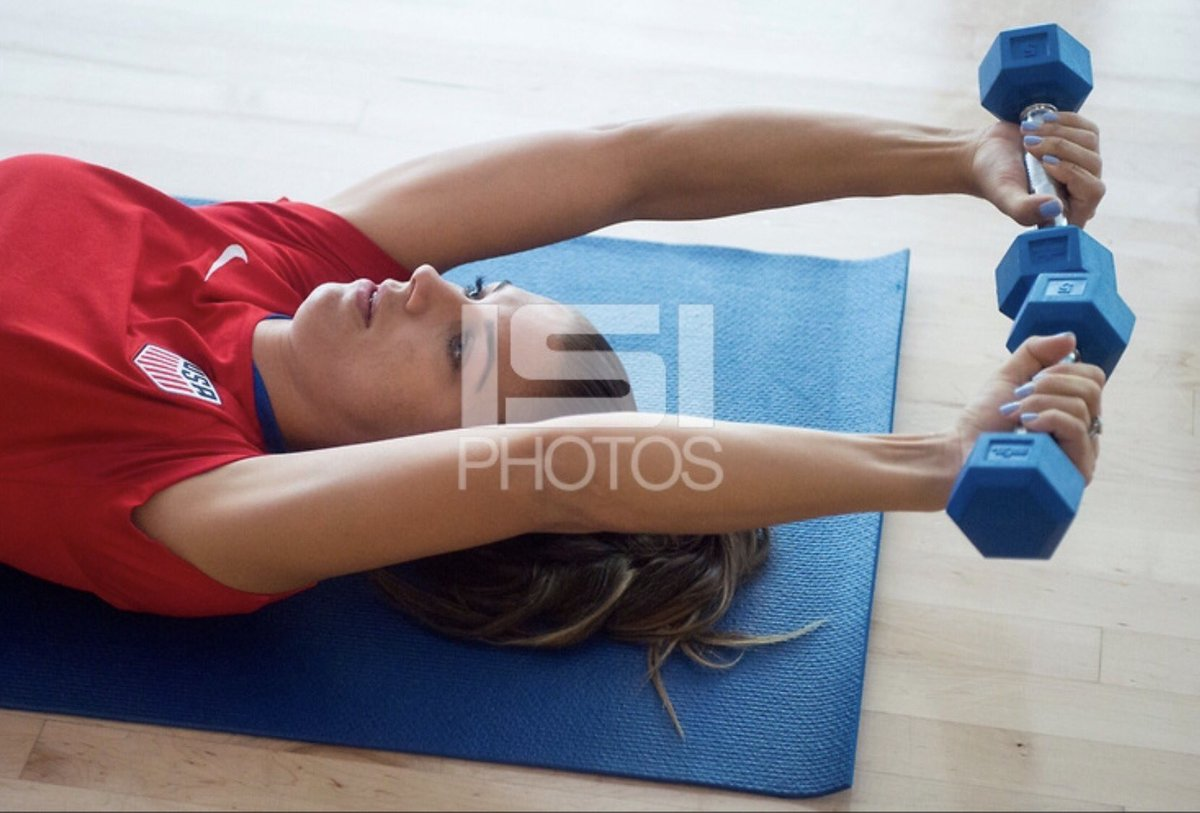 Alex at weights training. #AlexMorgan #USWNT<br>http://pic.twitter.com/6IkoPPTMvC