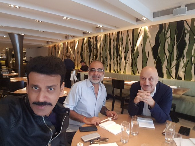 a lunch hosted by very dear @AnupamPkher at a japnese restaurant before he took off to mumbai.funfilled atmosphere. https://t.co/8g3Inx4mN1