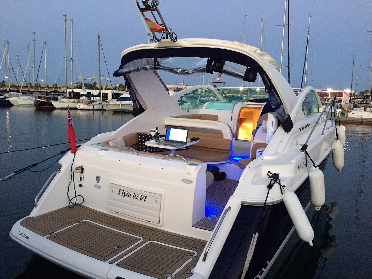 This mint 2003 Fairline Targa 34 is arriving at our Denia office soon. A real classic that never dates :-) #get #a #new #boat #live #life<br>http://pic.twitter.com/jFViIIYQpg