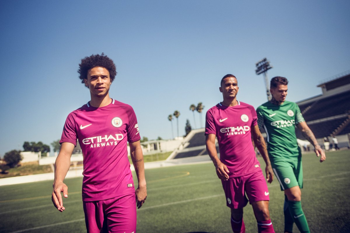 .@ManCity are ready to #CreateTheFuture in their new 2017/18 @nikefootball away kit.   #mcfc <br>http://pic.twitter.com/aVzsOcsvrQ