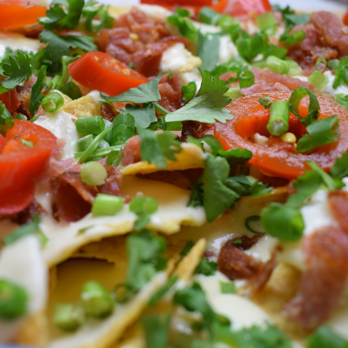 My easy Bacon Cheese Nachos are ready for you to gobble up! #easy #bacon #cheese #nachos #gildedgingerbread  https://www. gildedgingerbread.com/single-post/20 17/07/21/Bacon-Nachos &nbsp; … <br>http://pic.twitter.com/L0uvGpovep