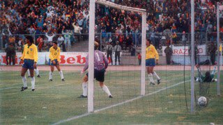 #OnThisDay in , #Brazil lost their first ever @FIFAWorldCup qualification game, losing 2-0 to #Bolivia in La Paz<br>http://pic.twitter.com/7KdYohNreE