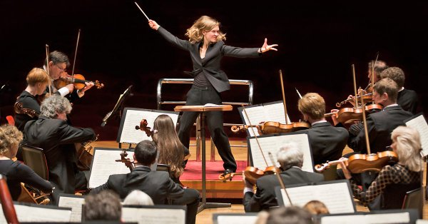 ICYMI @BBCRadio4 did a 'Behind the Scenes' with @TheCBSO Music Director, Mirga Grazinyte-Tyla https://t.co/tTEDKqW3RJ Well worth a listen👂 🎶