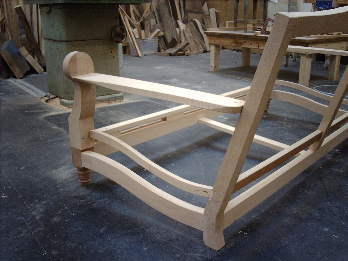 This is our Kent Sofa in it&#39;s first stage of the build up. There&#39;s a lot more to hand making a sofa than you might think! #handmade #designs <br>http://pic.twitter.com/bkqbts6raP