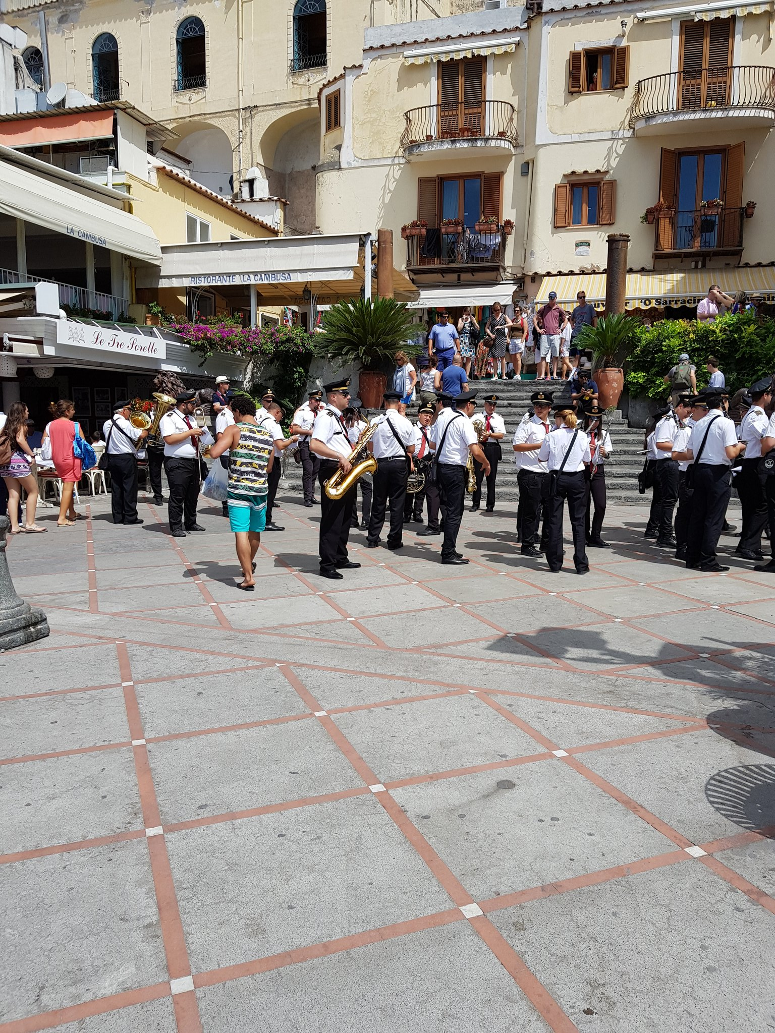 The local brass band in Positano https://t.co/22aTAHahQx