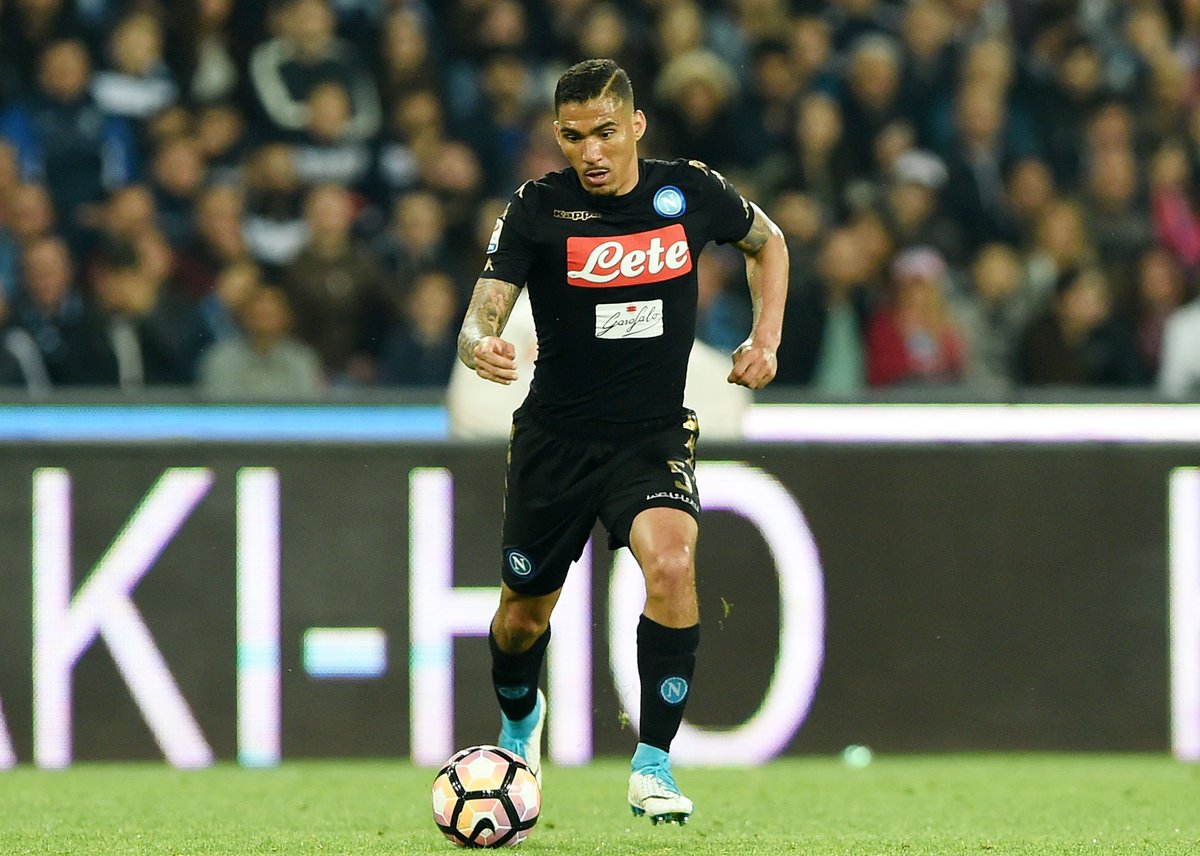 Gossip: #NUFC interested in £10m-rated Napoli midfielder Allan. Full details:  http://www. chroniclelive.co.uk/sport/football /transfer-news/newcastle-united-news-transfers-live-13379570?t &nbsp; … <br>http://pic.twitter.com/mr2RXAUwKW