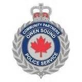 #OwenSound police arrest a 34 year old man after a break-in and later, a foot chase.  http:// ow.ly/MY4j30dTkCe  &nbsp;  <br>http://pic.twitter.com/ObETNbYxXk