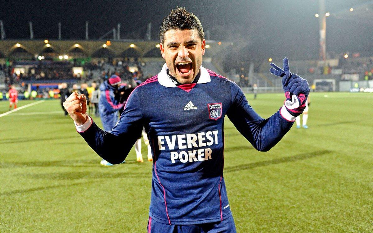 Force et courage à l'ancien Lyonnais Ederson, malheureusement atteint d'un cancer.  #ForçaEderson
