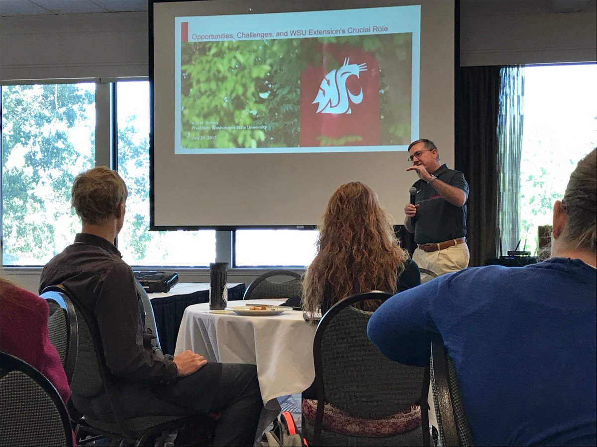 Great to hear how much @WSU_Cougar_Pres appreciates #WSUExtension! Stated goal to visit all locations, in every #Washington county. #GoCougs<br>http://pic.twitter.com/crlvK0DBXd