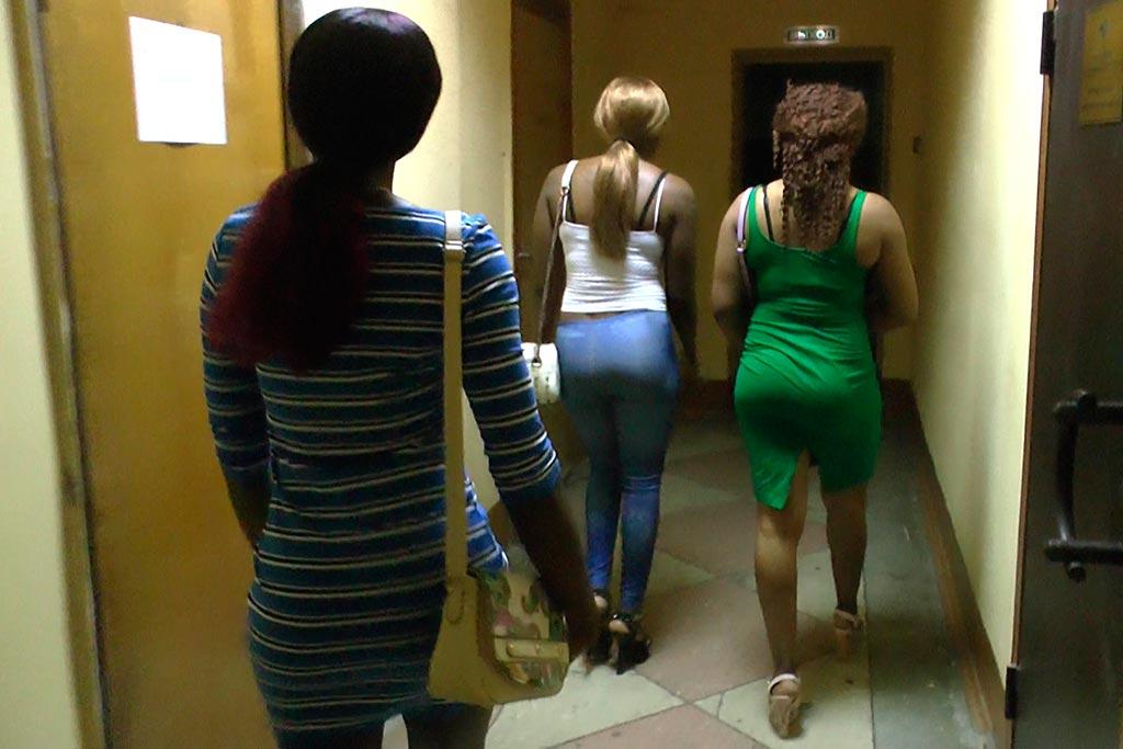 Студентка подрабатываю проституткой как вербуют проститутку