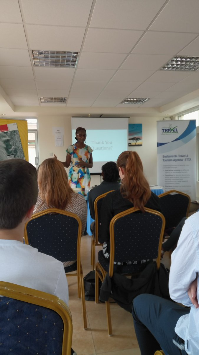 Discussing #urban sustainability with students from UK participating in @cpstudent @STTAFieldCourse @STTAKenya  @CarmenNibigira<br>http://pic.twitter.com/qW2p2fx3BK