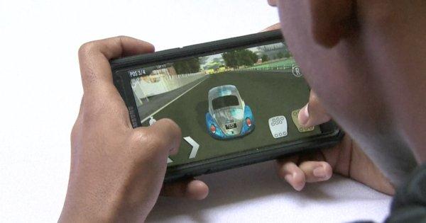 VIDEO | #Gazkar, premier jeu vidéo de voitures 100% malgache https://t.co/6UffL7UwxS