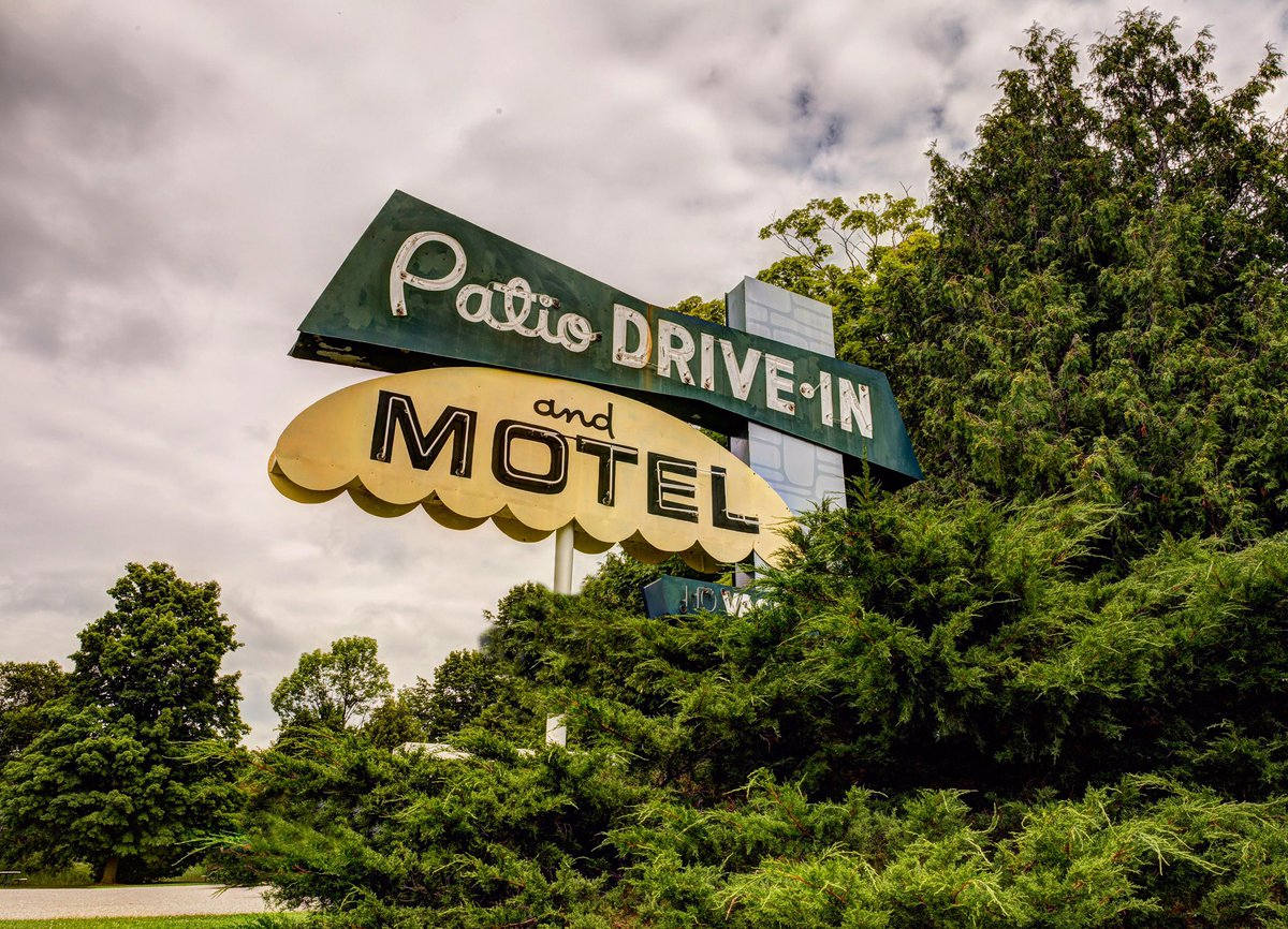 We love us some of the vintage signage seen around @mydoorcounty!   @fornearphoto  #retro #vintage #travel #signage #kitch #liveriveted<br>http://pic.twitter.com/VHqWmHwwkG