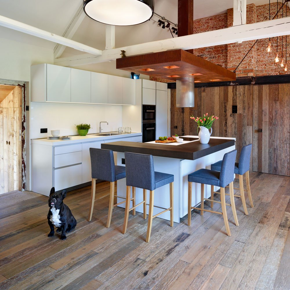 #KBBArk #Profile! From #Victorian #FarmBuilding to #Ceramics #Studio. #Kitchen by @hobsonschoiceuk Read the story on  http:// bit.ly/2sV2Iu9  &nbsp;  <br>http://pic.twitter.com/BYfxI1TTT9