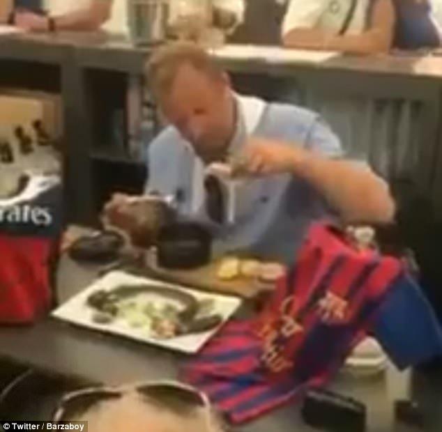 Champions, scommette sul PSG contro il Barcellona: perde e si mangia un topo! - https://t.co/QfAPfayMFK #blogsicilianotizie #todaysport