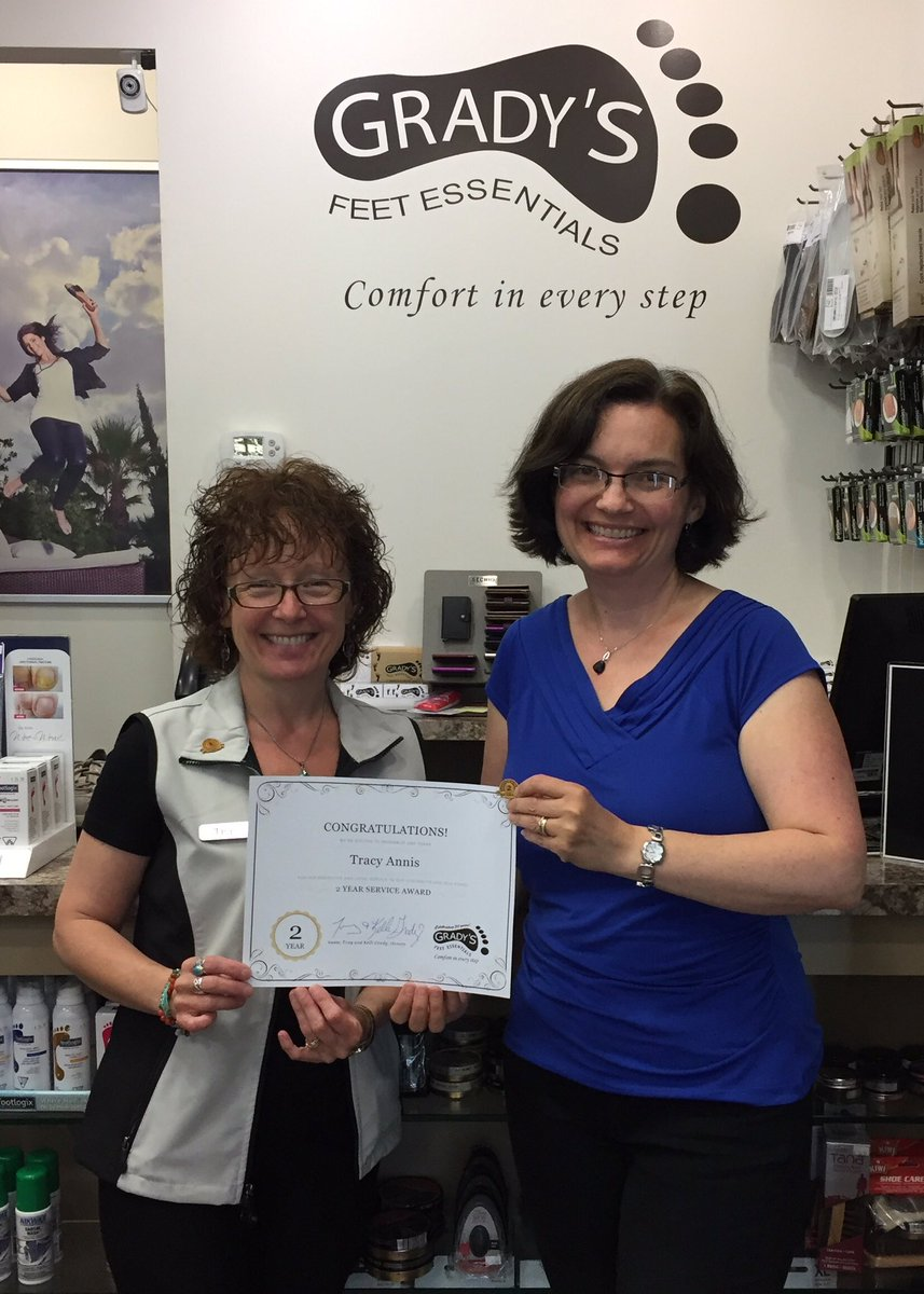 test Twitter Media - Grady Staff Anniversary ~ Congratulations to Tracy Annis who received her 2 Year pin & certificate! @LansdownePlace #ptbo #sheisawesome https://t.co/392tEsK4LO