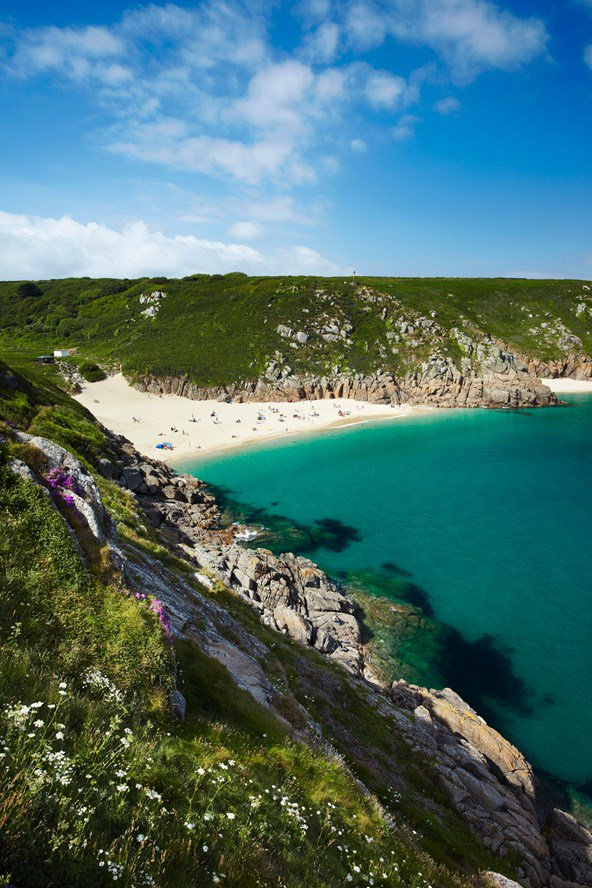 That sea! Cornwall, believe it or not… one of our top 10 beaches. Find out where here: https://t.co/EjDrPhMFrM