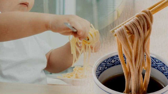 [JTBC 뉴스룸] 음식 알레르기 30% '급성 쇼크'로 이어져…https://t.co/sFvKn4a4bj 쇼크 유발 식품 중 '메밀'이 가장 많아. 또 잣이나 호두 등 견과류도 위험. 유아의 경우, 처음 접하는 음식을 먹을 때 보호자의 관찰 당부.