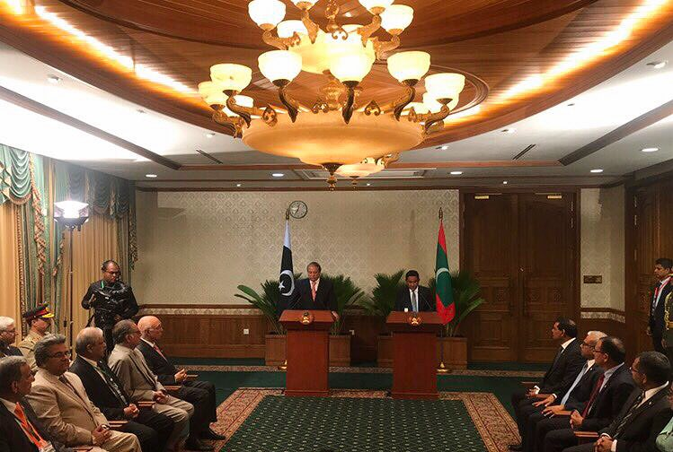 #Live Joint press statement by President Yameen and Prime Minister Nawaz Sharif <br>http://pic.twitter.com/as47OP0Vjg
