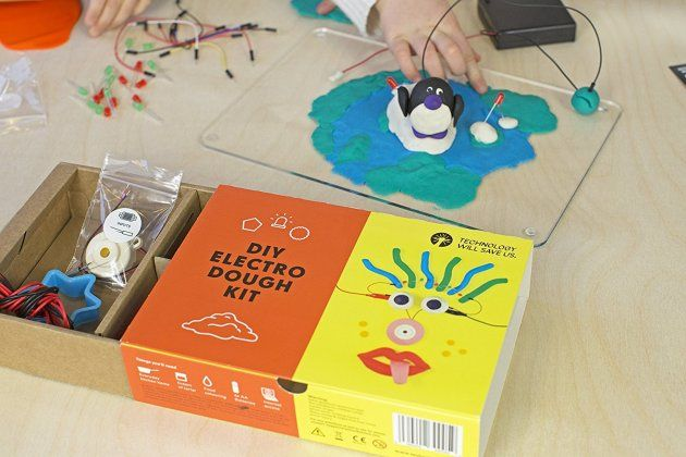 Toys from @TechWillSaveUs teaches #STEM to kids to prepare for the 65% of jobs that haven't even been invented yet  http:// buff.ly/2uVXnqY  &nbsp;  <br>http://pic.twitter.com/4o0HQP7tv6