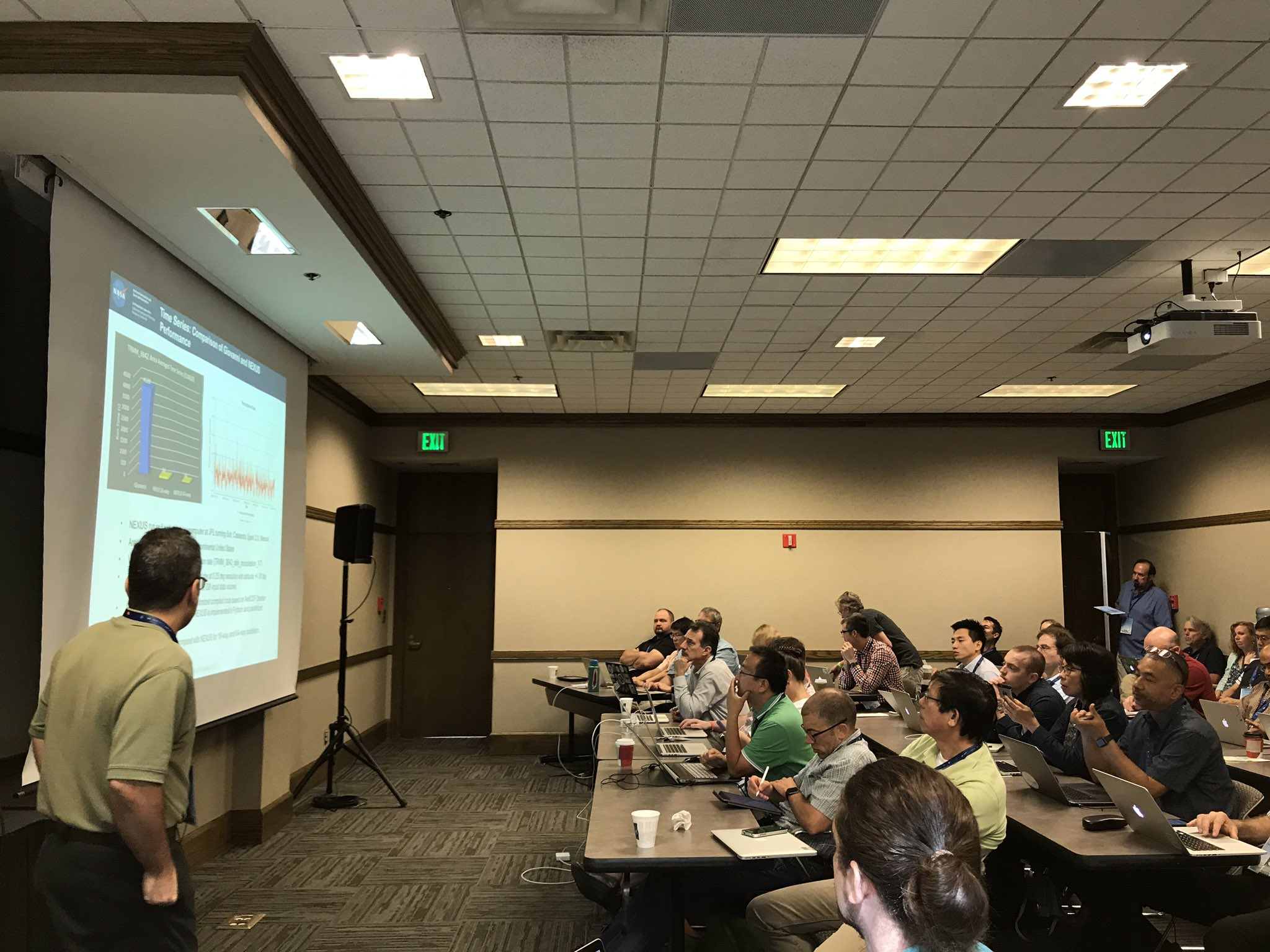 "Great turnout at our ""Introduction to Big Data Analytics using NEXUS"" ESIP workshop #esipfed #podaac #NASAEarth #NASAESTO https://t.co/6kjHc2kRnw"