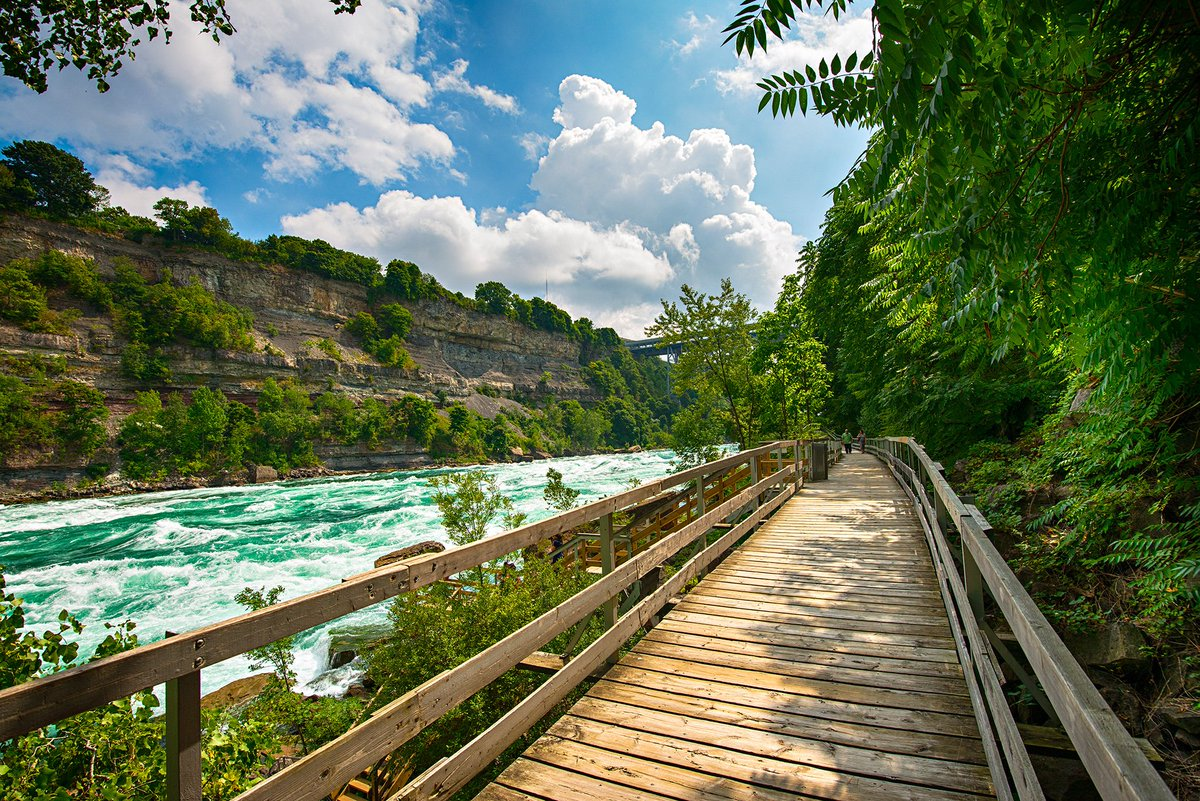 This incredible boardwalk is just an hour away from #Toronto.  http:// bit.ly/2vWVKFK  &nbsp;  <br>http://pic.twitter.com/IQ2CktUqRp