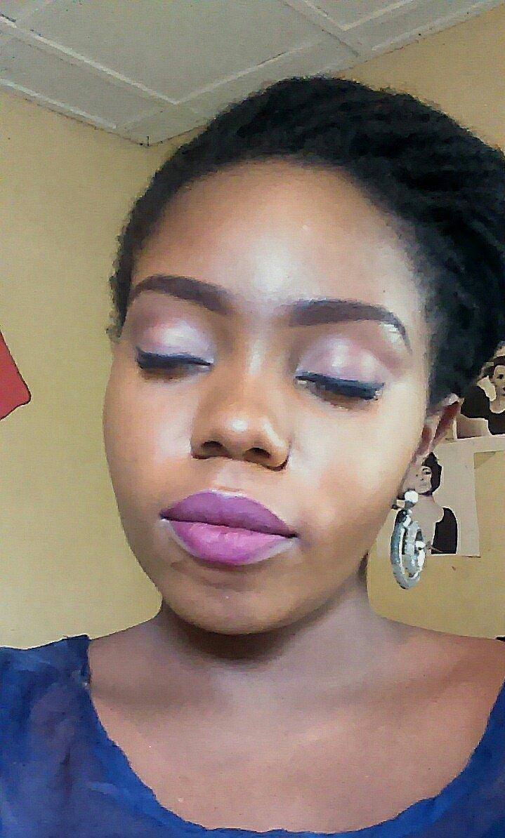 No contour, less highlights. #makeup #makeupartist #makeuptutorial<br>http://pic.twitter.com/jjf5OYy9SO