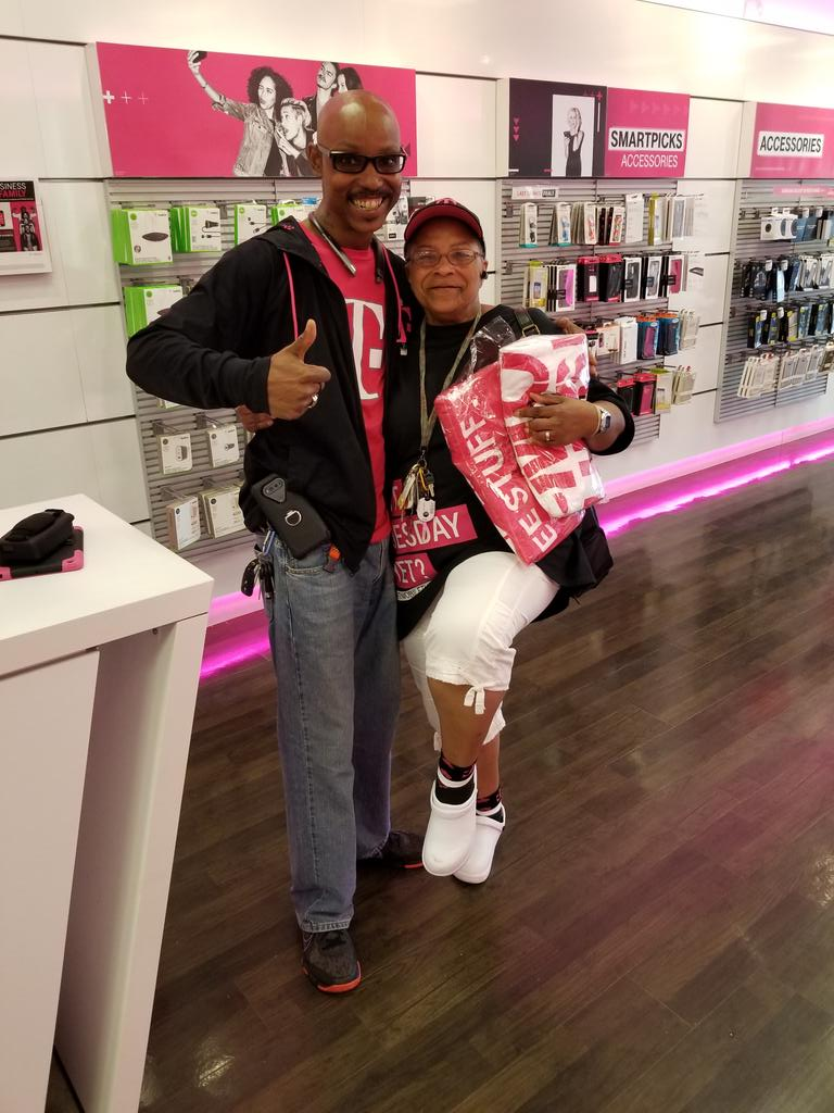 @rsnorbeck @ARod_013 @Kenyadunn12 @JonFreier #NCredible! She&#39;s got the T-Mobile Tuesdays hat on, shirt, socks, and came in for her towels! <br>http://pic.twitter.com/uaT0l7mGzR