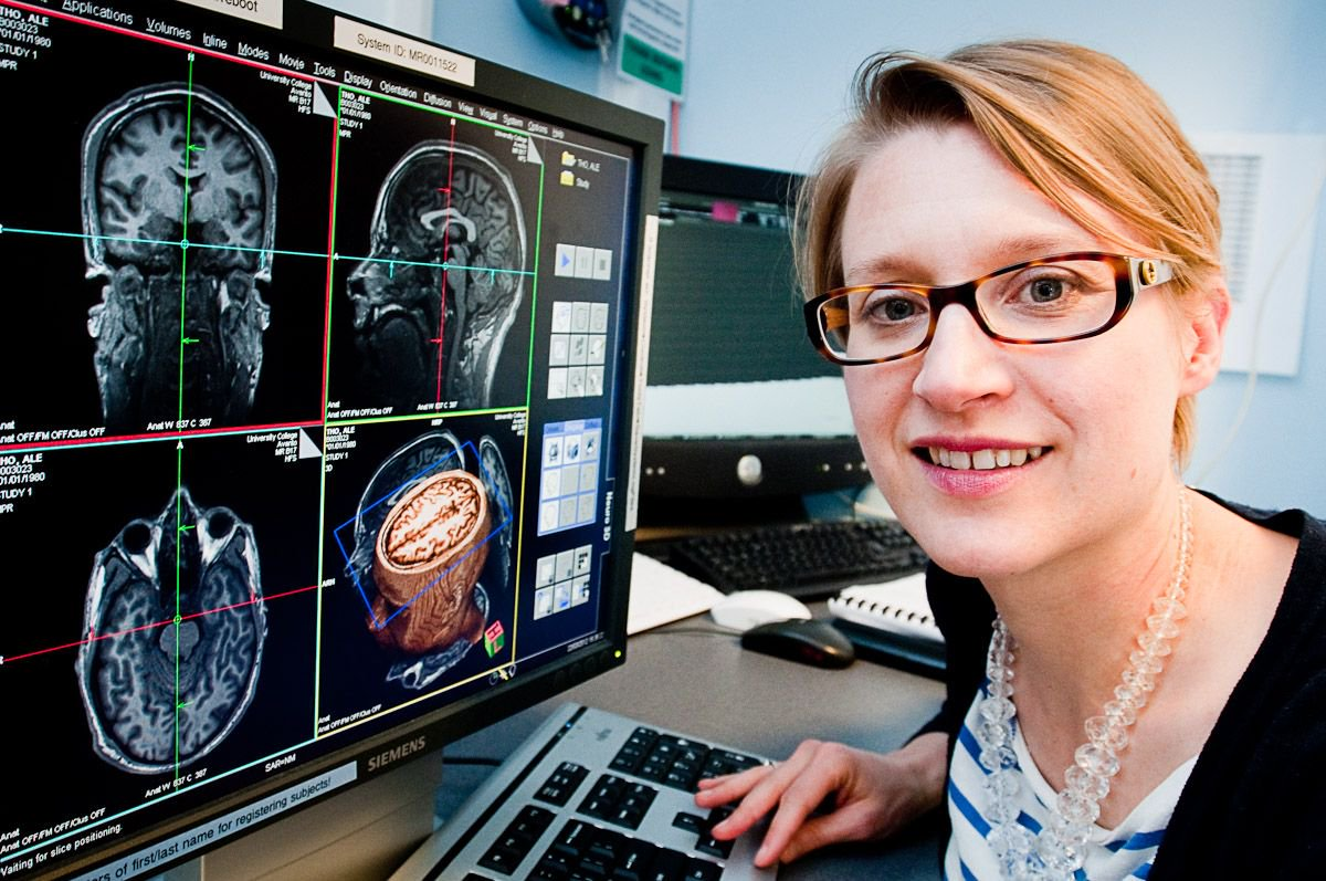 Congratulations Professor Essi Viding 2017 Rosalind Franklin Medal winner    http:// buff.ly/2uxvra1  &nbsp;    #WomenInScience #STEM w/@royalsociety<br>http://pic.twitter.com/5PJVuyxXt9