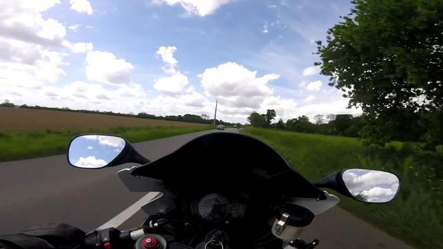 Ils se filment roulant comme des fous, trois motard bretons interpellés https://t.co/52TsAbKcl6