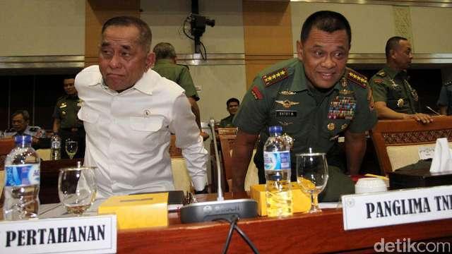 detikcom: Menhan dan Panglima TNI Raker...