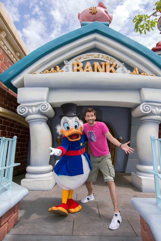 David Tennant with Scrooge McDuck at Disneyland