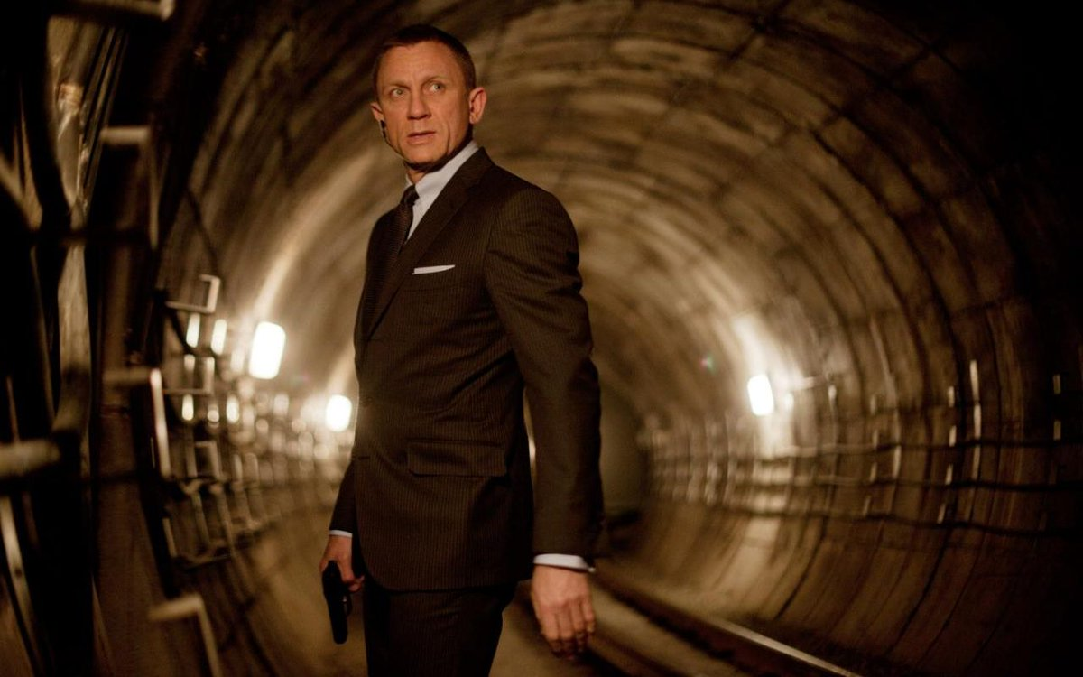 RT @TelegraphNews: Daniel Craig 'will return as James Bond' for 2019 https://t.co/RSMyelLxPq https://t.co/2IqPSLvo1m