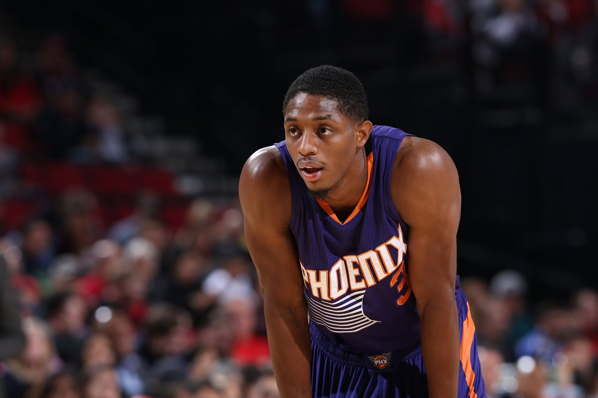 Brandon Knight Suffers Torn ACL In Left Knee: https://t.co/zIxAH5v36Z...