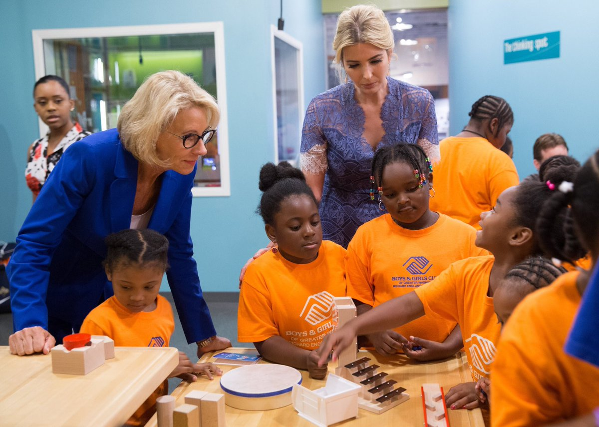 Spent the after noon with a community of orange midgets with are hot First Lady @IvankaTrump #STEM -b <br>http://pic.twitter.com/I7UXmULi2l