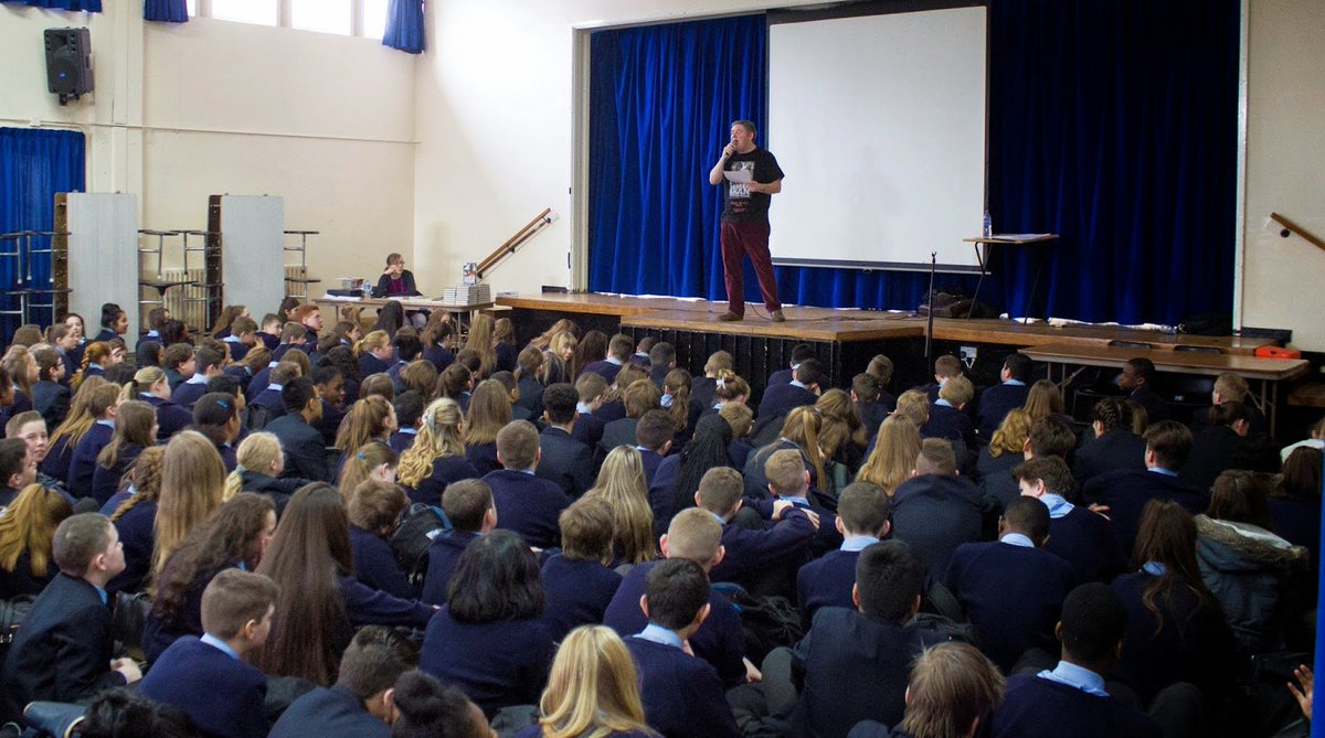 5 Tips for a Successful Author Visit   http:// bit.ly/2eLLzRo  &nbsp;   #tlchat #library #librarian #ghsreads #libchat #edchat #uklibchat #librarylife<br>http://pic.twitter.com/oEqpLDOfqF