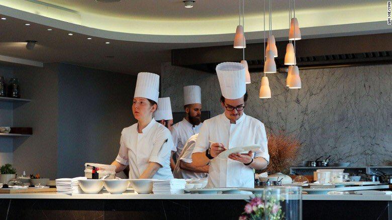#WiningAndDining?  6 of the very best #restaurants in #Copenhagen     http:// edition.cnn.com/travel/article /copenhagen-great-restaurants/ &nbsp; …  | HT @CNNTravel | #gastronomy | #wine <br>http://pic.twitter.com/NC24fi4iUA