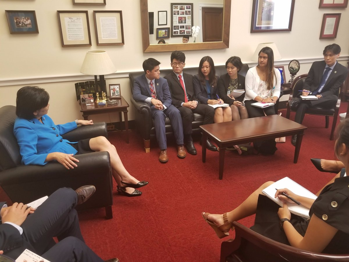 This morning, APAICS Summer Interns met with @RepJudyChu, @CAPAC Chair, to discuss the important challenges facing the #AAPI community. <br>http://pic.twitter.com/6zviwHmvyo