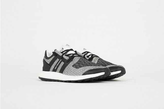 info for 5c4ff a607a Still some retailers with stock!  https   thesolesupplier.co.uk release-dates adidas adidas-y-3-pure-boost- black-silver  …pic.twitter.com rQzCJFWwct