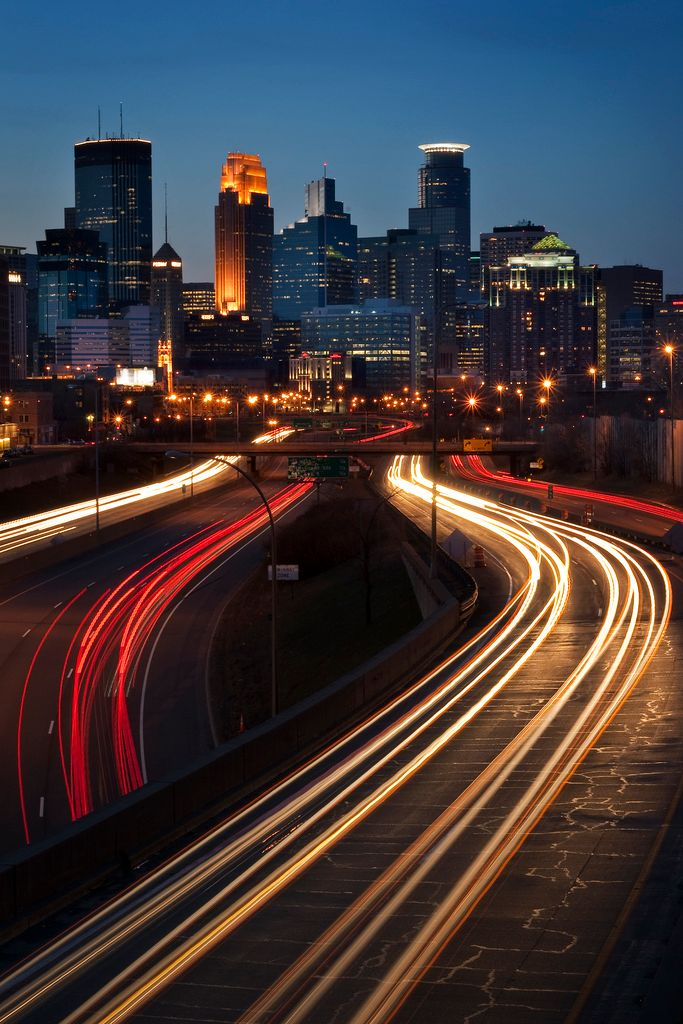The downtown #Minneapolis skyline at sunset as seen from I-35W south of the city. #Mpls <br>http://pic.twitter.com/ls9wWXAhet