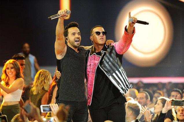 Will #Despacito break Mariah Carey's 16-week record? https://t.co/shOz...