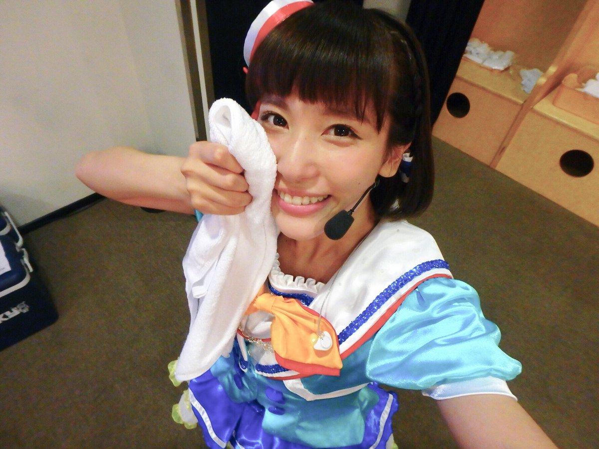 先日、Aqoursで上海メルセデス・ベンツ・アリーナでの「BILIBILI MACRO LINK -STAR PHASE×Anisong World Matsuri」に出演させて頂きました!たくさん盛り上がって、最高にいい汗かいたー!笑本当にありがとうございました🍊謝謝! pic.twitter.com/m6tiYMiUZm